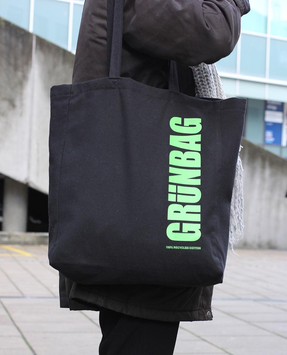 Black GRÜNBAG Tote green logo-05