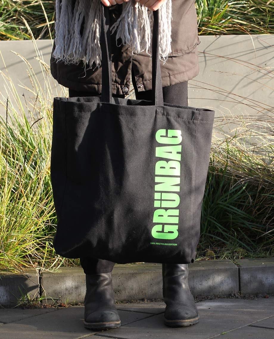 Black GRÜNBAG Tote - green logo