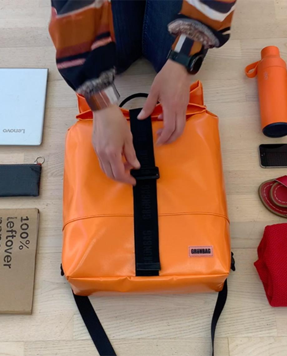 0__=__youtube___Have a look inside this backpack___https://www.youtube.com/embed/IkaS-6xrr3E___IkaS-6xrr3E