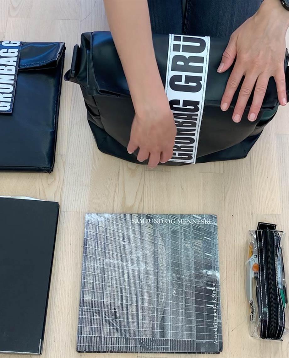 0__=__youtube___durable bag for architects___https://www.youtube.com/embed/CkkTwlq5ha0___CkkTwlq5ha0